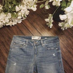 GARAGE Mid Rise Super Soft Jegging Jean Size 5